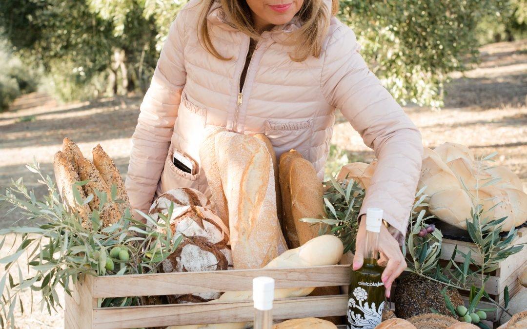 Oleícola Jaén celebra su tradicional desayuno de 2º día de cosecha con Universo Santi como invitado de excepción.